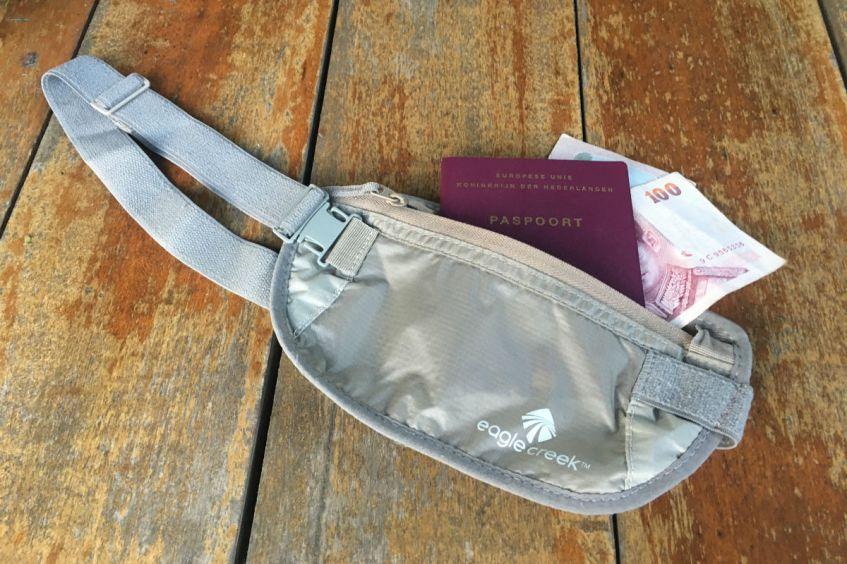 Handige spullen om mee te nemen op reis - een moneybelt