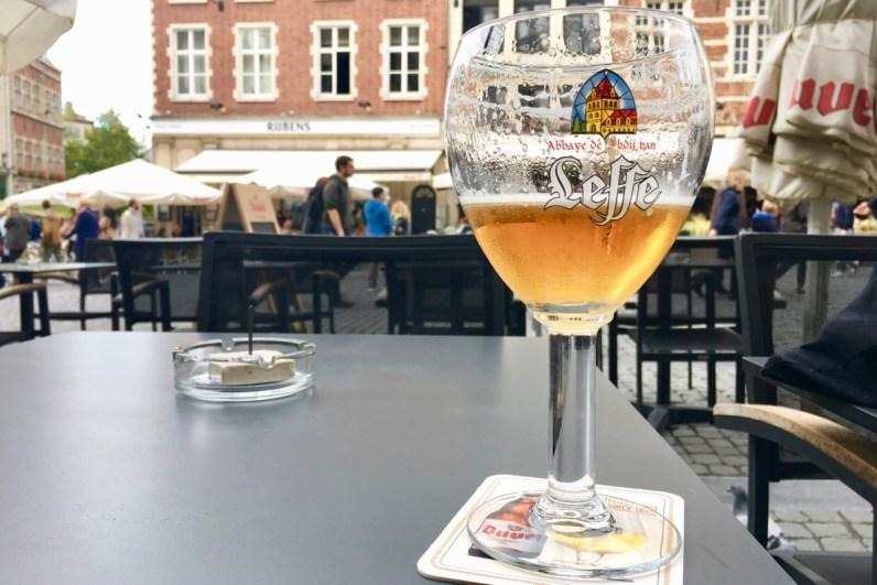 Bezoek zeker de oude markt tijdens je weekendje Leuven