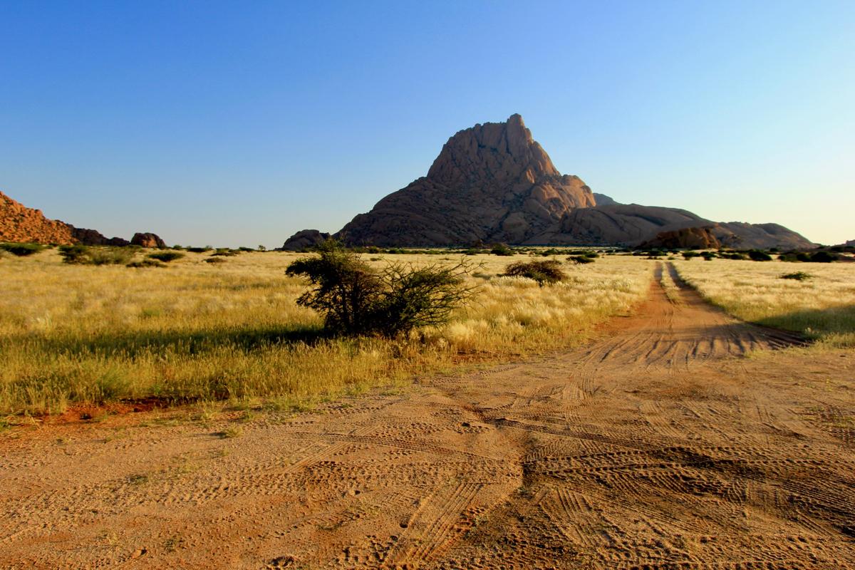 Spitzkoppe hoort zeker in je route Namibie