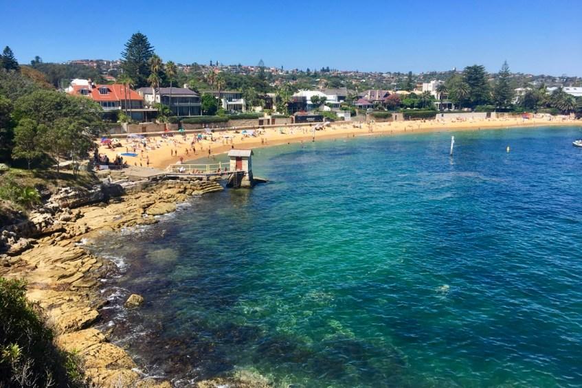 Het prachtige strand van Camp Cove in Sydney