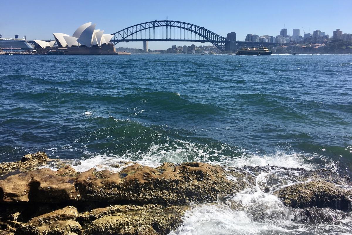 Het Opera House en de Harbour Bridge in Sydney kun je bezoeken als je een working holiday visum hebt