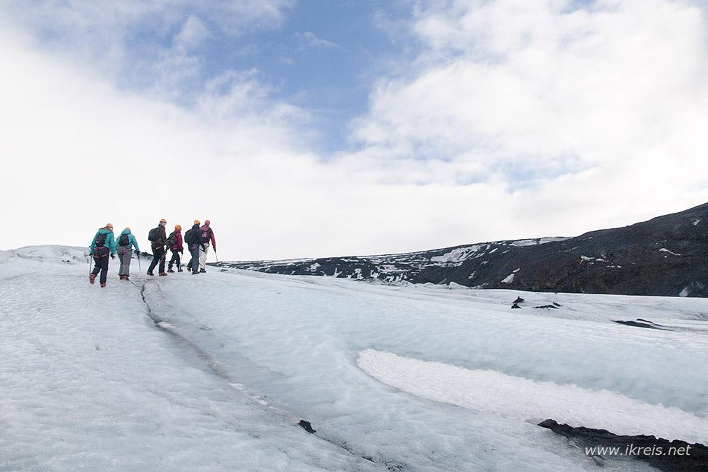 ijsland solheimajokull wandeling is een must tijdens je roadtrip