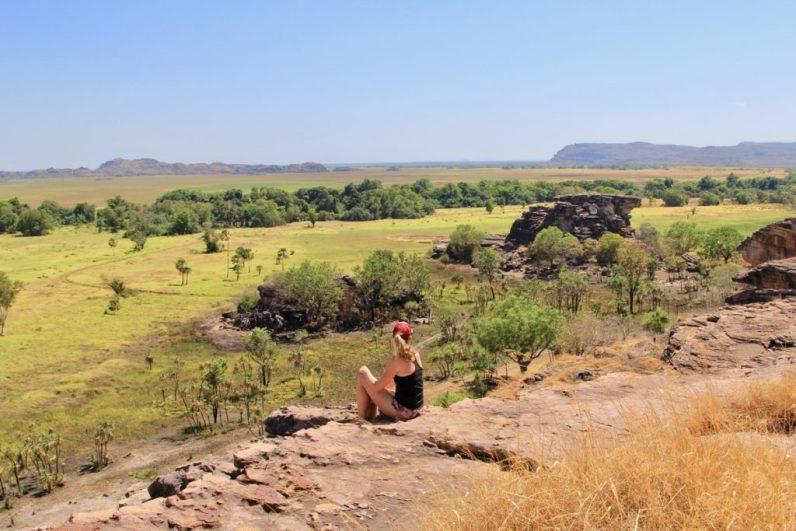 In Kakadu bij Darwin kun je mooie wandelingen maken. Vooral die naar de Ubirr Rock Lookout is eentje om te onthouden.