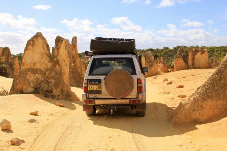De rotstenen formaties bij The Pinnacles verdienen een bezoekje tijdens jouw reis door West-Australië