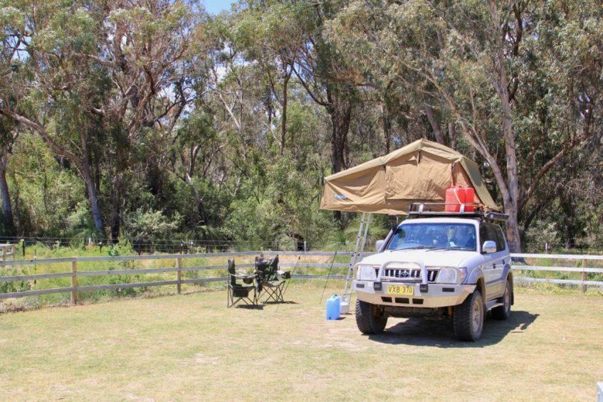Kamperen in Yanchep National Park doe je op de Henry White Oval camping
