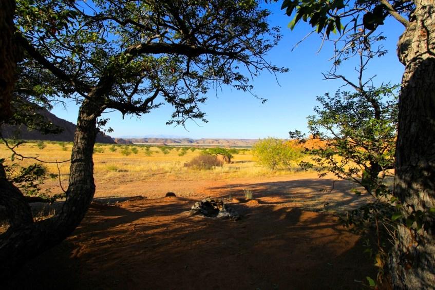 Het uitzicht vanaf de campsite bij Mowani Mountain Camp is geweldig