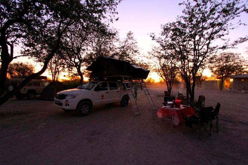 Overnachten op de camping in Etosha National Park is geweldig