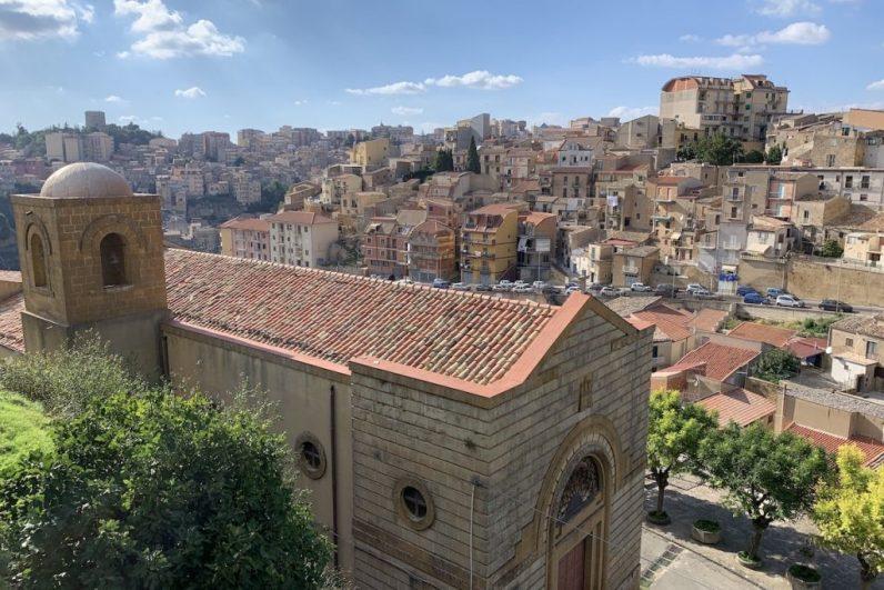 In Enna heb je een geweldig uitzicht over het centrale deel van Sicilië