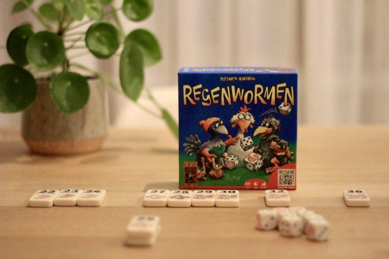 Regenwormen is een van de leukste spelletjes om met een paar mensen te spelen