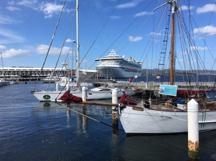 Wat te doen in Hobart? Bezoek de haven in Hobart. Een van de bezienswaardigheden in Hobart Tasmanie