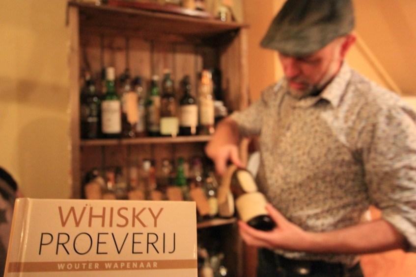 Doen in provincie Groningen whiskey proeven bij Logement Doosje