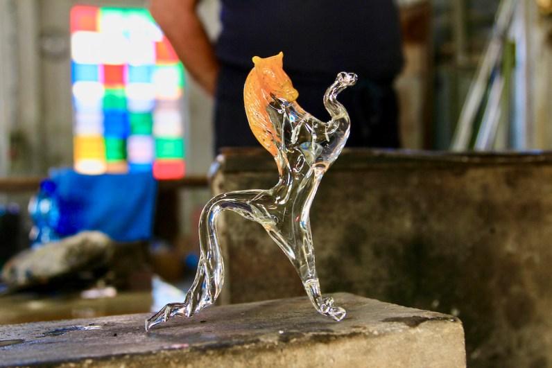 Een bezoek aan een glasblazerij op Murano mag niet ontbreken als je een Venetië bezoekt