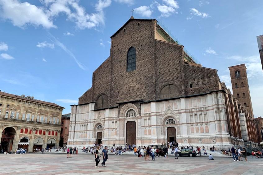 Doen in Bologna: de beste tip voor jouw citytrip is breng een bezoek aan Piazza Maggiore