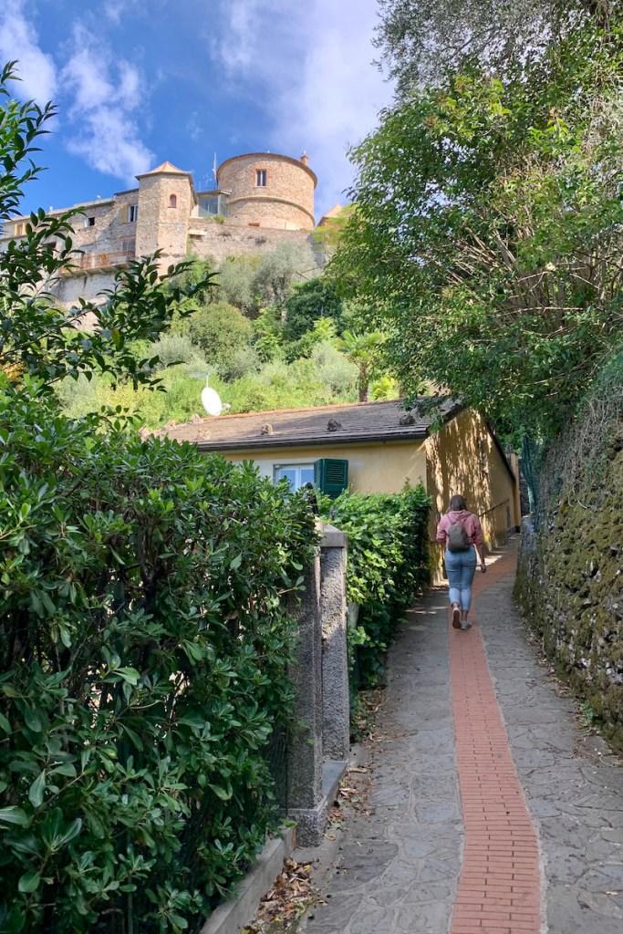Aan je de bloemenrivièra bezoekt ga dan zeker naar Portofino en klim naar Castello Brown!
