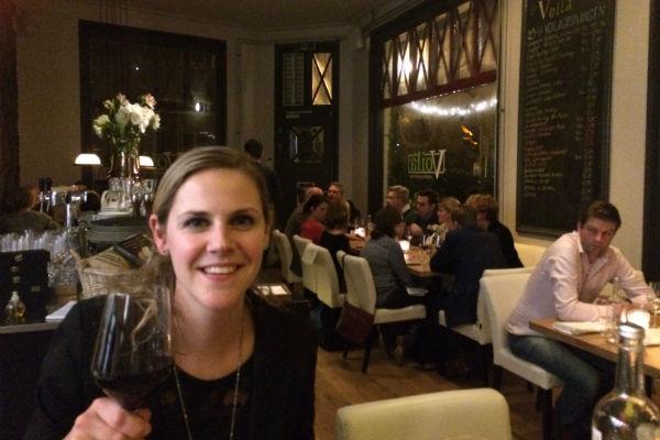 Voortreffelijk eten en goede wijnen die passen bij de gerechten