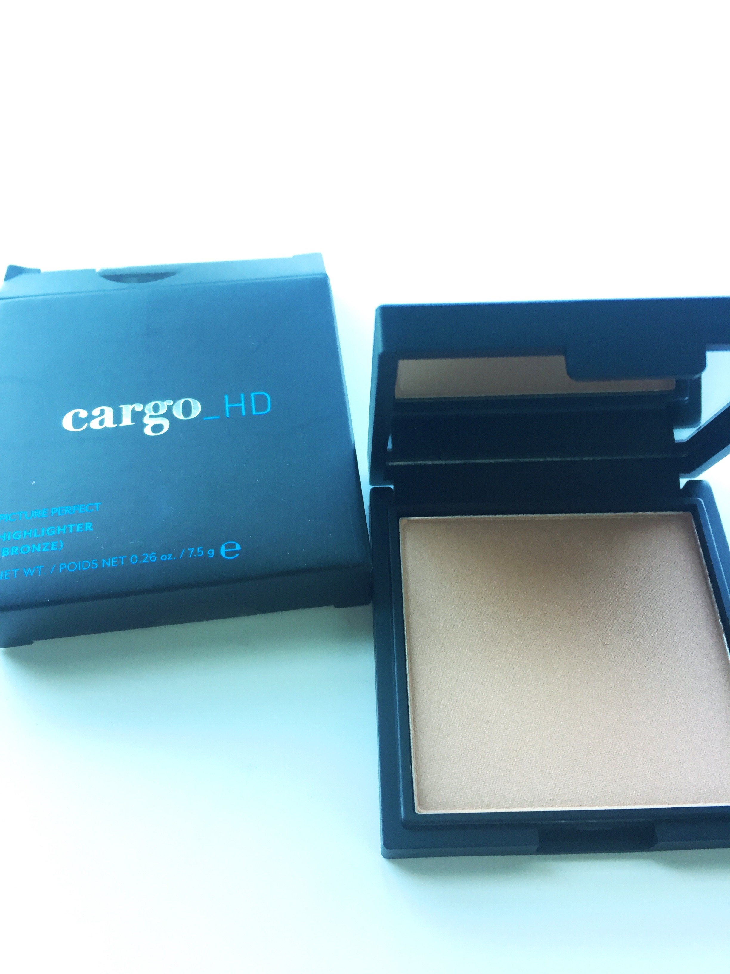 FabFitFun Summer 2017 Cargo HD Highlighter