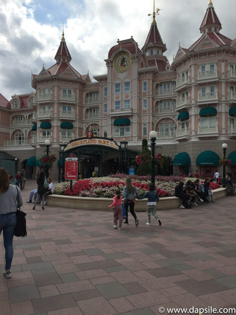 Disneyland Park Hotel and Entrance in Paris Sights