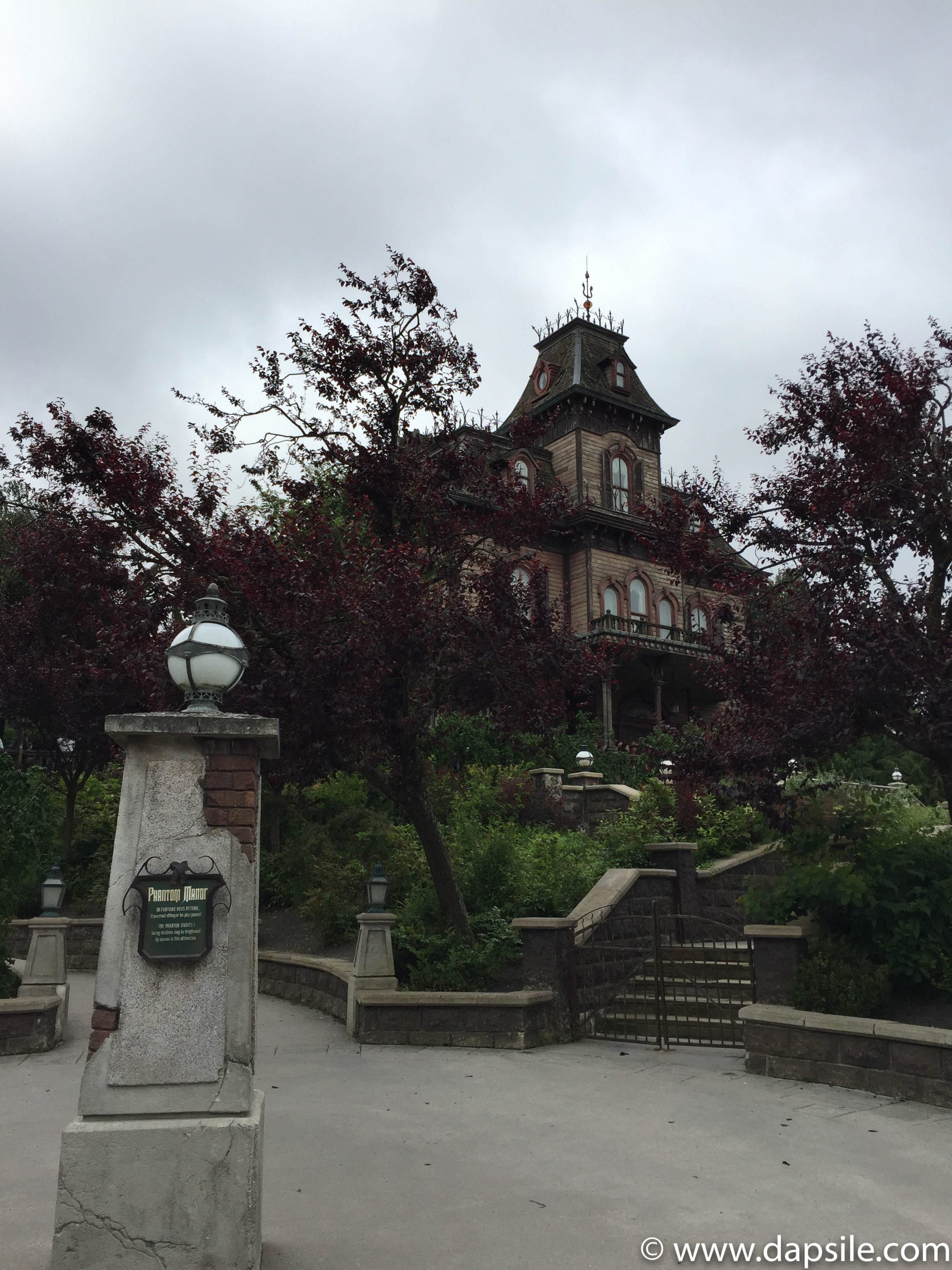 Phantom Manor at Disneyland in Paris Sights