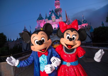 Mickey-and-Minnie-4_15_DL_000119