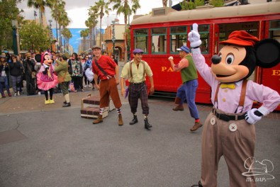Minnie Mouse Joins Mickey Mouse in Red Car Trolley News Boys-22