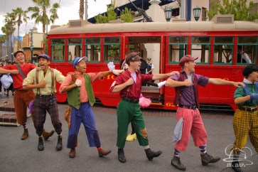 Minnie Mouse Joins Mickey Mouse in Red Car Trolley News Boys-4