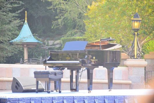 Piano during Disneyland 60 ceremony