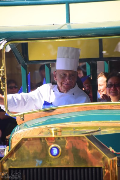 Oscar from Carnation Cafe in the pre-parade