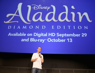 """BURBANK, CA - SEPTEMBER 27: Actor Scott Weinger speaks during a special LA screening celebrating Diamond Edition release of """"ALADDIN"""" at The Walt Disney Studios on September 27, 2015 in Burbank, California. (Photo by Jesse Grant/Getty Images for Disney) *** Local Caption *** Scott Weinger"""
