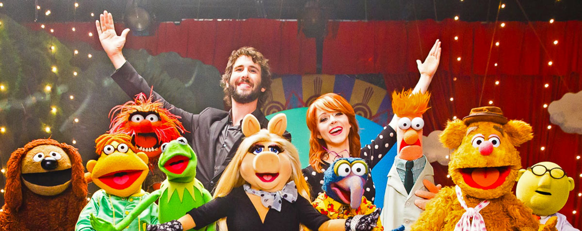 Josh Groban and Lindsey Stirling with The Muppets in Pure Imagination Music Video