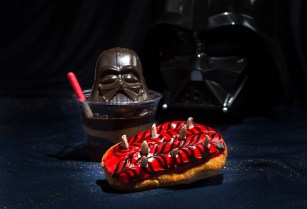 GALACTIC GRILL (ANAHEIM, Calif.) – Opening Nov. 16, 2015, at Disneyland Park, the Galactic Grill will feature special Star Wars-themed menu items as part of Season of the Force in Tomorrowland. This new themed experience celebrates iconic characters and moments from the Star Wars saga with special entertainment, themed food offerings and more. Guests will also be thrilled to explore Hyperspace Mountain, a reimagining of the classic Space Mountain attraction. (Disney Parks)