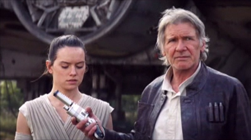 Han Solo Hands Rey a Weapon - Star Wars: The Force Awakens
