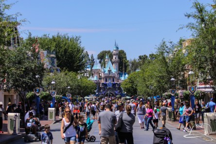 Disneyland-Frozen-June192016-1