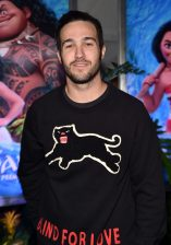 """HOLLYWOOD, CA - NOVEMBER 14: Musician Pete Wentz attends The World Premiere of Disney's """"MOANA"""" at the El Capitan Theatre on Monday, November 14, 2016 in Hollywood, CA. (Photo by Alberto E. Rodriguez/Getty Images for Disney) *** Local Caption *** Pete Wentz"""