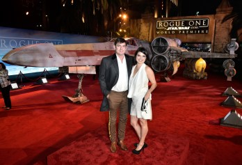 """HOLLYWOOD, CA - DECEMBER 10: Screenwriter Chris Weitz (L) and Mercedes Weitz attend The World Premiere of Lucasfilm's highly anticipated, first-ever, standalone Star Wars adventure, """"Rogue One: A Star Wars Story"""" at the Pantages Theatre on December 10, 2016 in Hollywood, California. (Photo by Marc Flores/Getty Images for Disney) *** Local Caption *** Chris Weitz; Mercedes Weitz"""