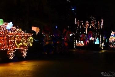 DisneylandElectricalParade 100