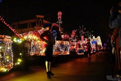 DisneylandElectricalParade 105