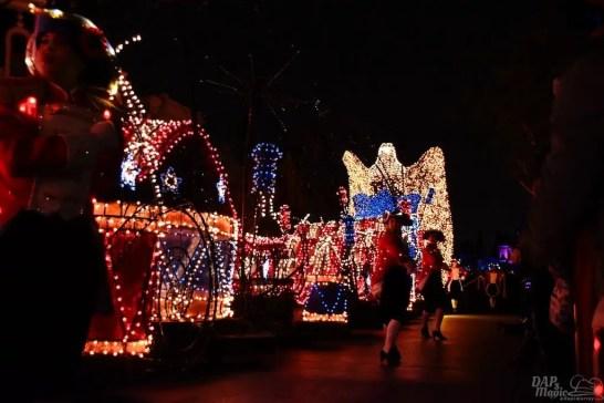DisneylandElectricalParade 111