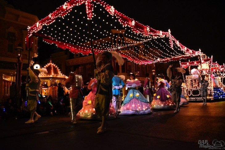 DisneylandElectricalParade 75