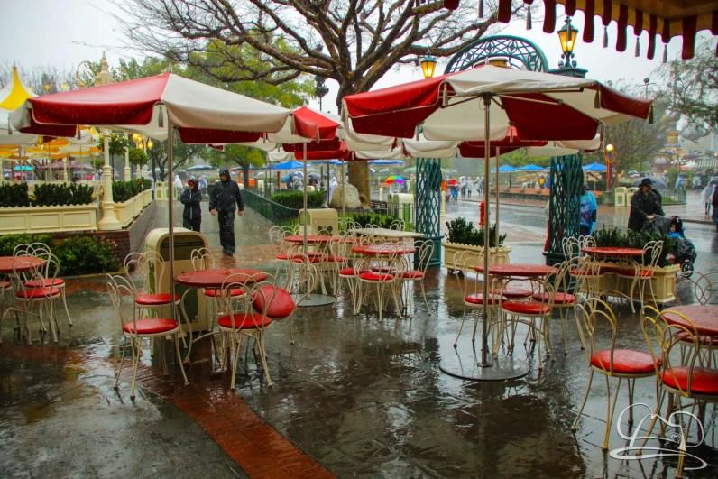 DisneylandResortRainyDay-12