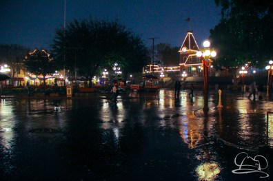 DisneylandResortRainyDay-148