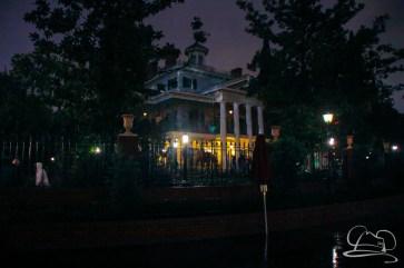 DisneylandResortRainyDay-194