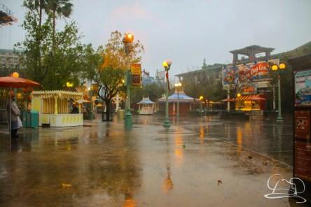 DisneylandResortRainyDay-61