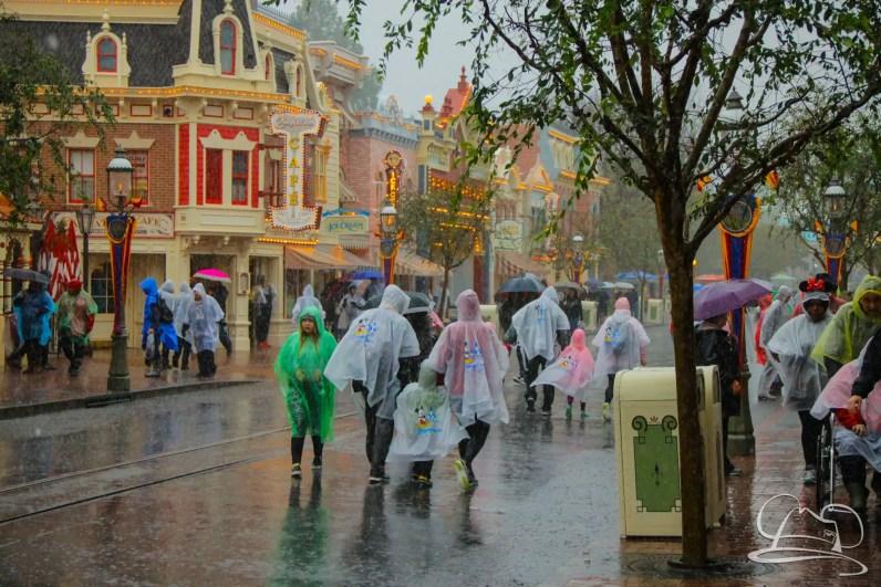 DisneylandResortRainyDay-9