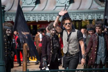PARIS, FRANCE - MAY 14: Johnny Depp attends the European Premiere to celebrate the release of Disney's Pirates of the Caribbean: Salazar's Revenge at Disneyland Paris on May 14, 2017 in Paris, France. (Photo by Francois Durand/Getty Images for Disney) *** Local Caption *** Johnny Depp