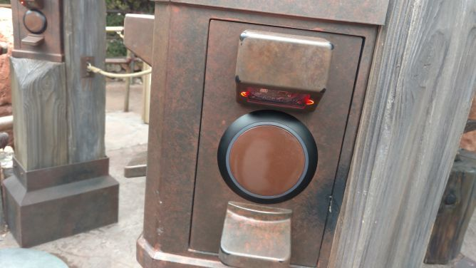 New FastPass Scanners Unveiled at Disneyland