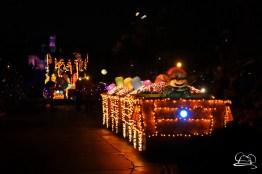 DisneylandMainStreetElectricalParade_45thAnniversary-52