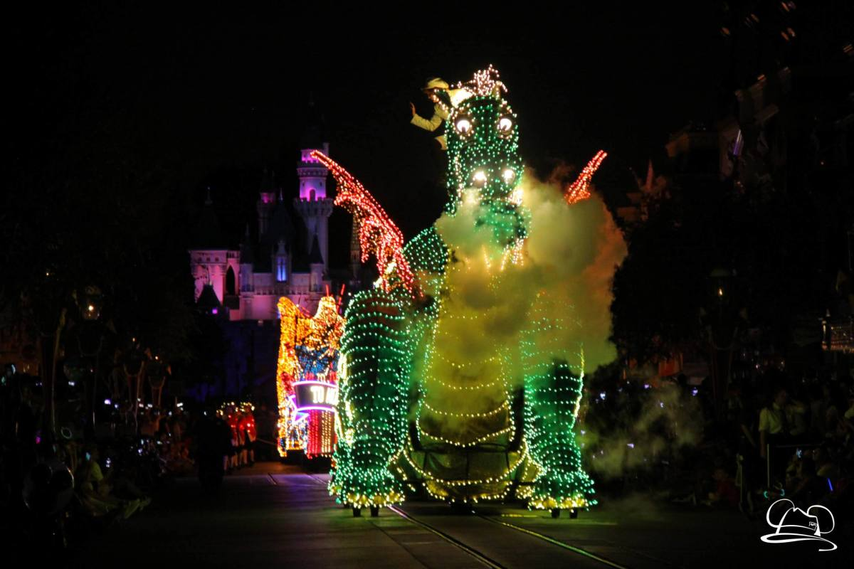 Main Street Electrical Parade Celebrates 45 Years of Nighttime Disney Magic!