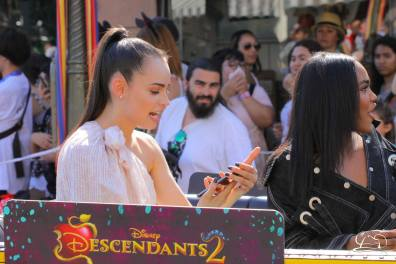 Disney_Descendants_Disneyland_Pre_Parade-27