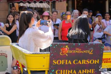 Disney_Descendants_Disneyland_Pre_Parade-29
