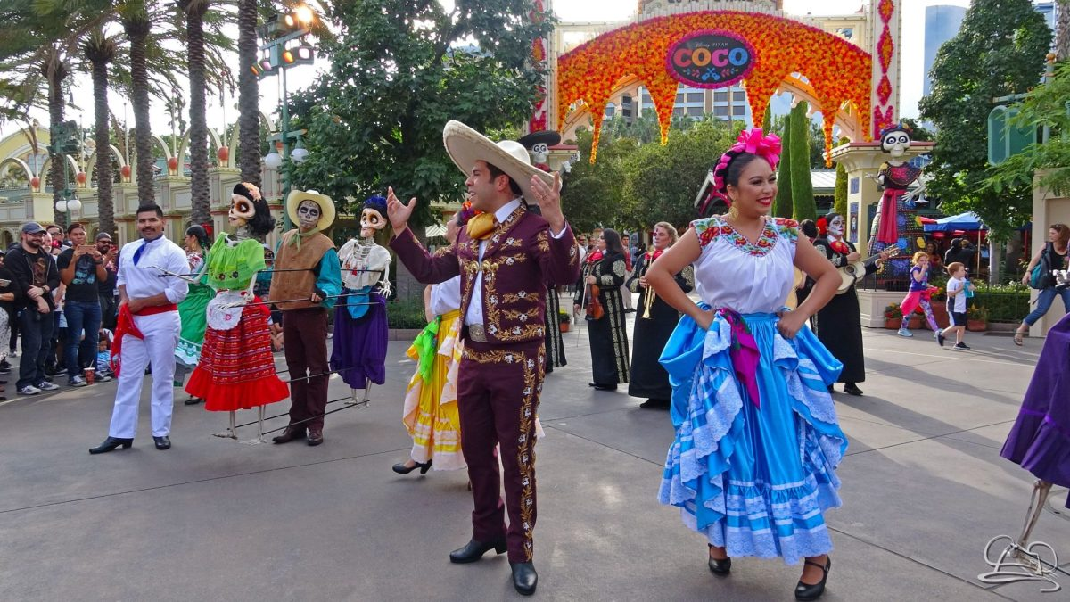 Plaza de la Familia Celebrates Family in Disney California Adventure